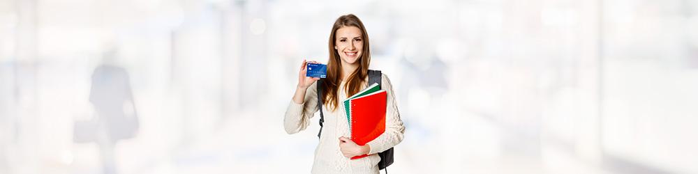 Многожество российских школьников старшего возраста - обладатели банковских карт